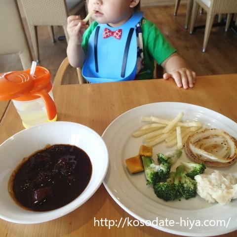 子連れ外食レポ★イオンモール浦和美園のBEEF RUSH(ビーフラッシュ)でステーキ食べ放題を満喫!【息子1歳3か月】